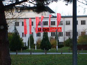 Quelle: http://www.dokumentationszentrum-prora.de/seiten_deutsch/dokuzentrum.html