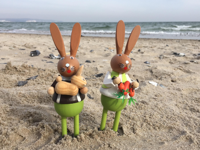 Osterhasen am Strand