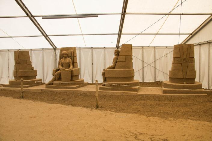 Skulputen in der Halle