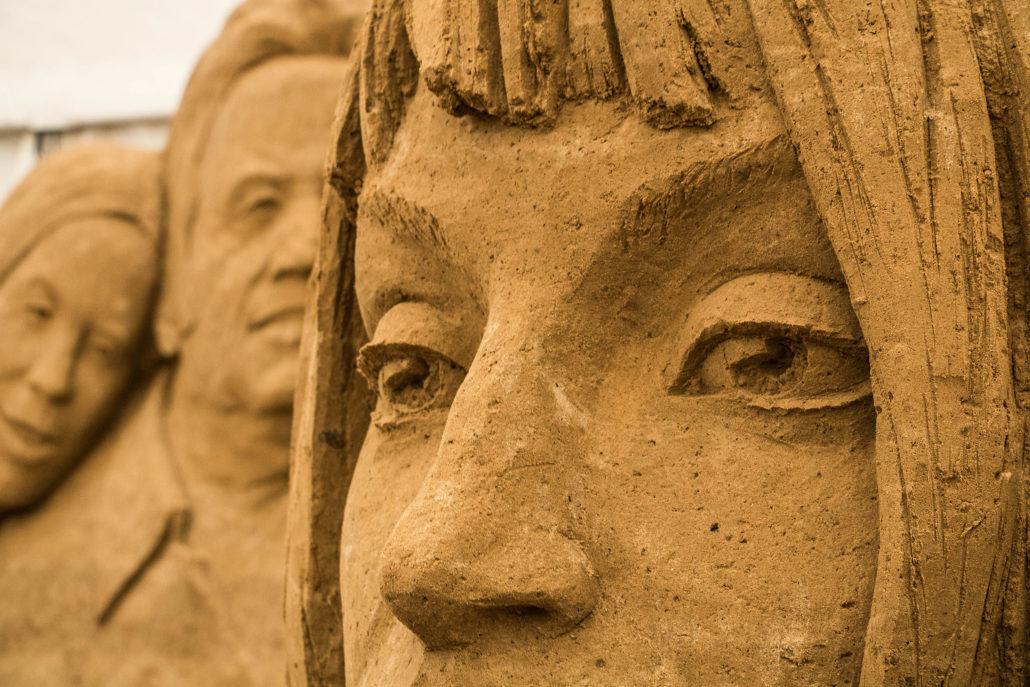 Dolly Parton bei den Sandskulpturen 2017 auf Rügen