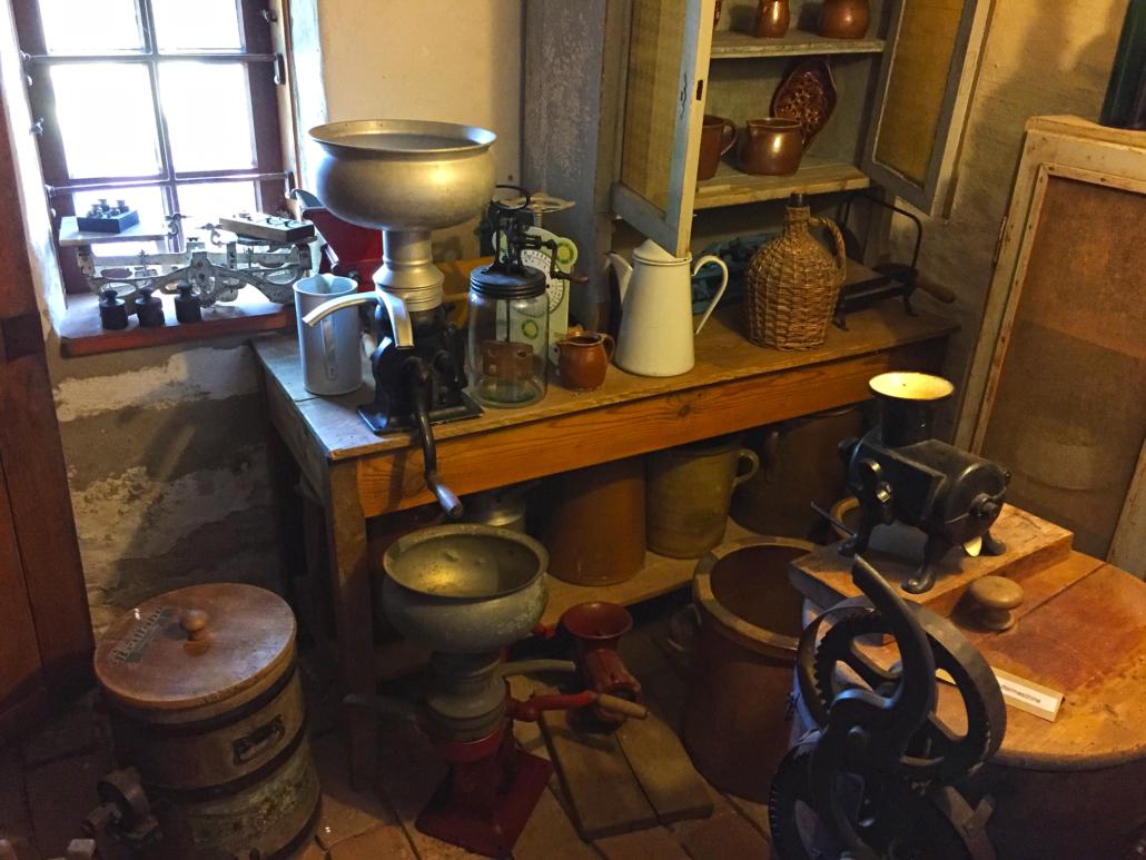 Gingst Museum: Butterbereitung