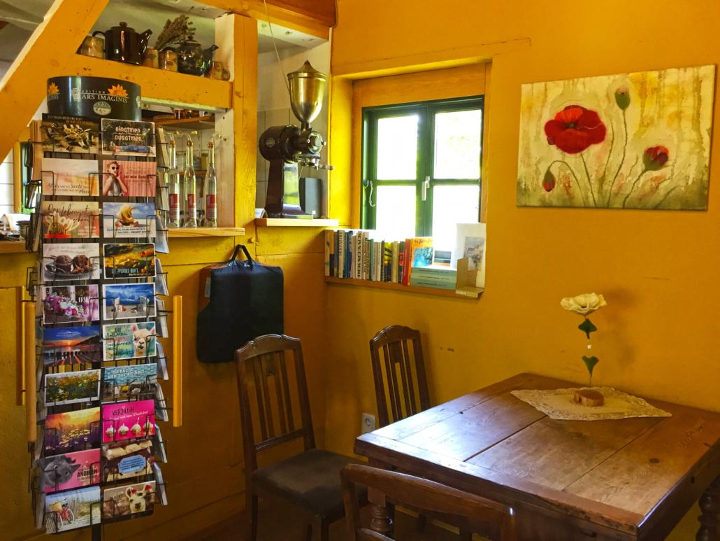 Gemütliche Sitzecke im Gingst Museumscafé